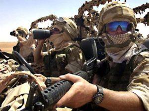 Военные в арафатке