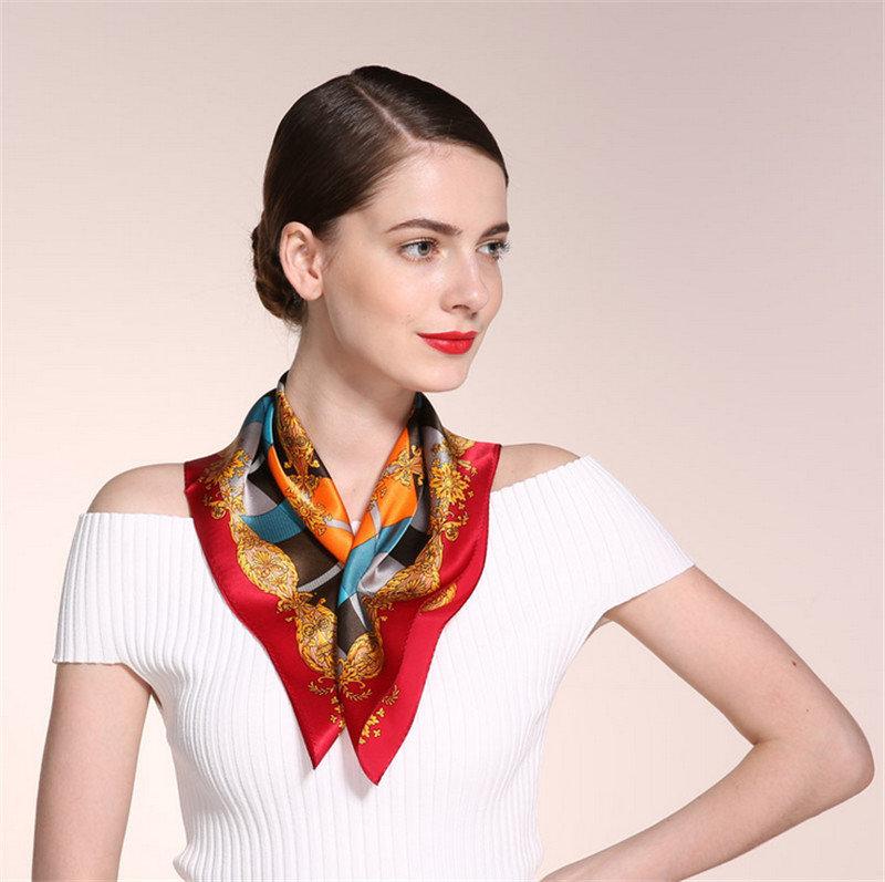 Kak-krasivo-zavyazat-platok-na-shee-raznymi-sposobami_07 Как завязать платок на шее разными способами и как красиво повязать шарфик на плечах