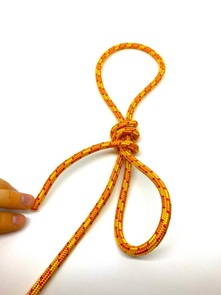 Шаг 5. Узел Удавка схема вязания