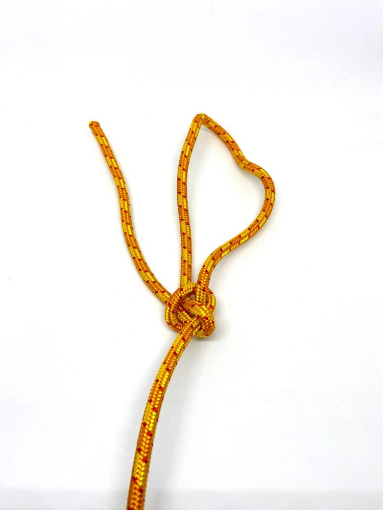 Шаг 7. Узел Булинь (Беседочный узел) схема вязания