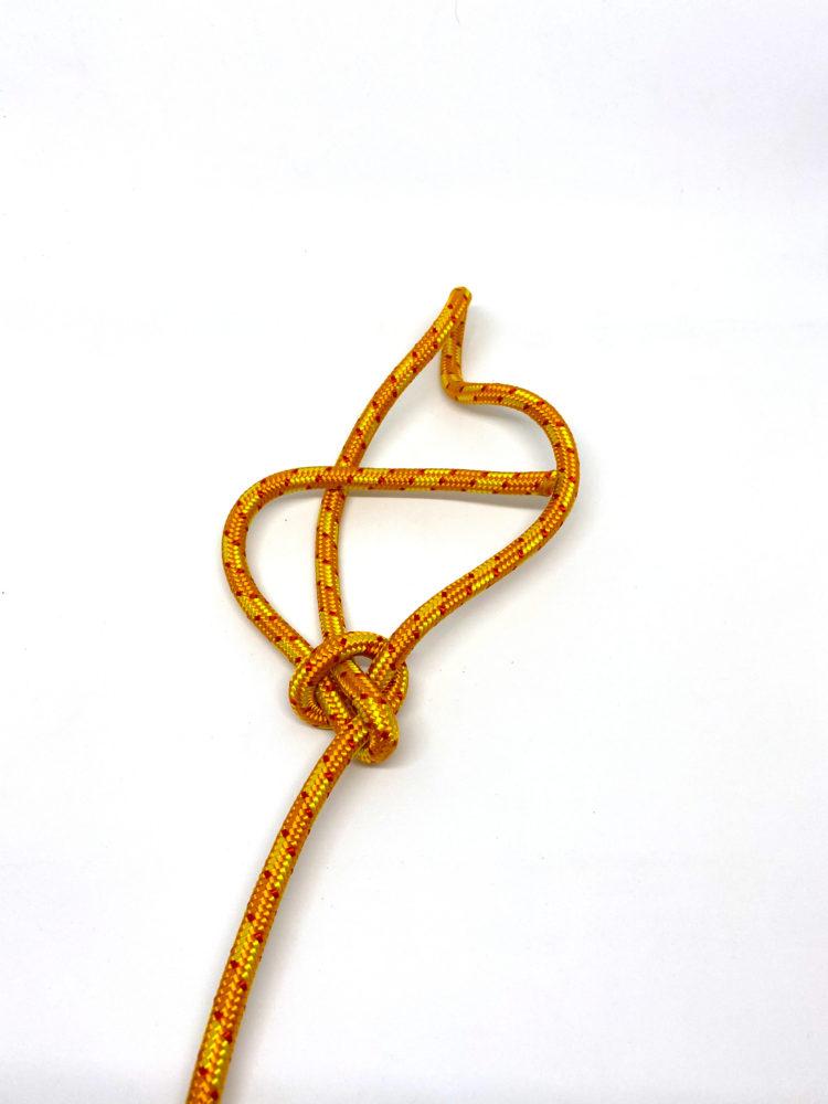 Шаг 8. Контрольный узел для Узела Булинь (Беседочного узела) схема вязания